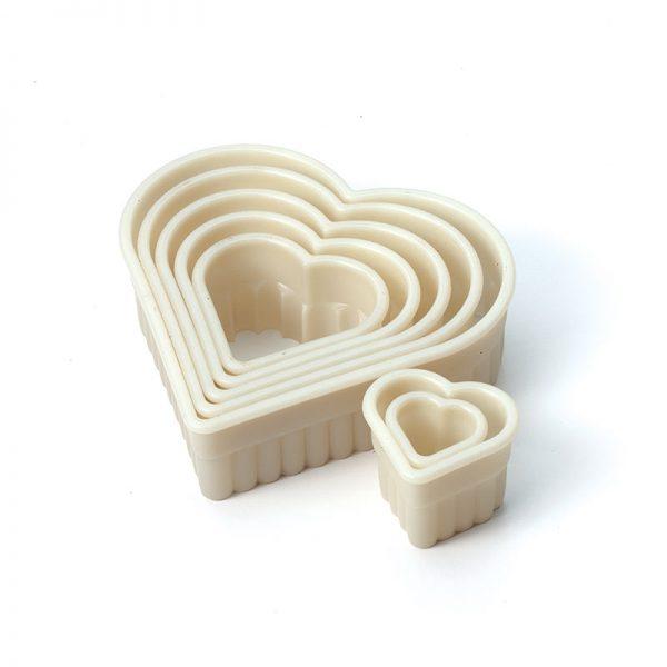 7 Pc Heart Fluted Nylon Cutter Set Mercer Culinary